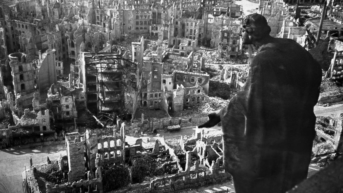 """Резултат с изображение за """"Бомбардировки над Дрезден"""""""